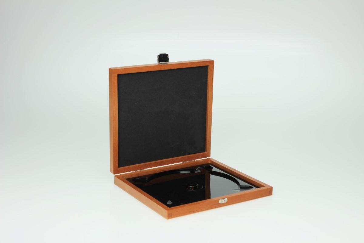 Holzbox / Wooden Media Box